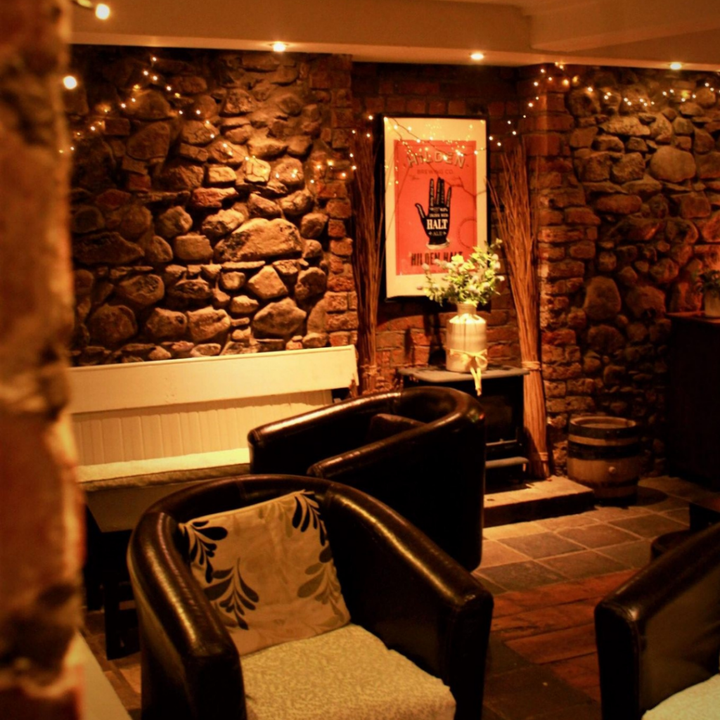 A quirky wedding venue based in Lisburn, just 15 minutes from Belfast. Can accommodate formal sit down meals or relaxed, BBQ style food. A cosy bar seating area.